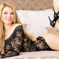 aneta-escort-prague-ha-400x400